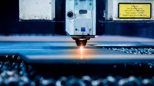 xy-positioning_laser-cutting-closeup_1080x608