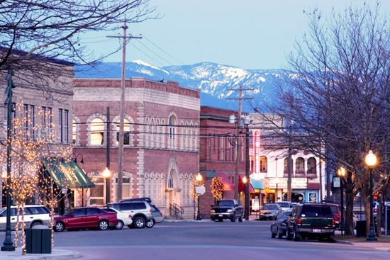 sandpoint-overview-downtown-street_550x367